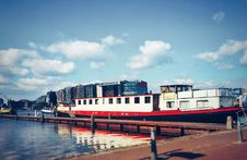 Free White And Red Boat On Dock Royalty Free Stock Photo - 120192625