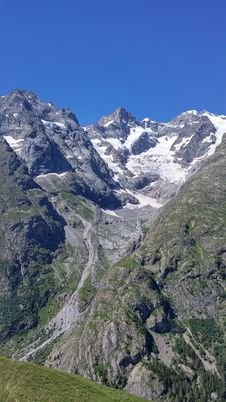 Free Mountainous Landforms, Mountain Range, Mountain, Mountain Pass Royalty Free Stock Photo - 120411555