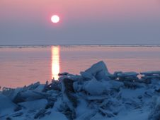 Free Freezing, Sunrise, Horizon, Arctic Stock Images - 120654614