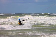 Free Kitesurfing, Wave, Wind Wave, Surfing Equipment And Supplies Royalty Free Stock Photos - 120654808
