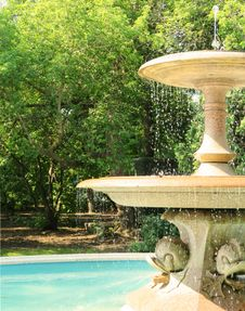 Free Water, Outdoor Furniture, Water Feature, Tree Stock Photo - 120654870