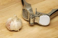 Free Garlic Royalty Free Stock Photo - 1212405