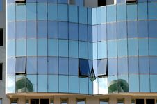 Free Reflection Modern Building 1 Royalty Free Stock Photo - 1214185