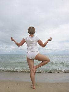 Free Yoga Tree Pose Stock Photos - 1216873