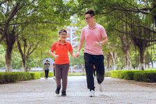Free People, Running, Walking, Recreation Royalty Free Stock Photography - 121057797