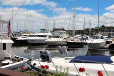 Free Marina, Boat, Dock, Harbor Stock Photos - 121057823