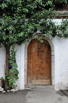 Free Arch, Wall, Flower, Courtyard Stock Photography - 121057932
