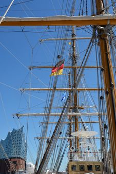 Free Sailing Ship, Tall Ship, Ship, Full Rigged Ship Royalty Free Stock Photo - 121556975