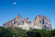 Free Mountainous Landforms, Mountain, Sky, Mountain Range Stock Photos - 121707823
