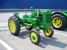 Free Tractor, Motor Vehicle, Agricultural Machinery, Vehicle Royalty Free Stock Photos - 121707858