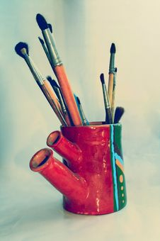 Free Art Brushes In Handmade Vase Royalty Free Stock Photography - 1220357