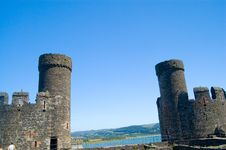 Free The Two Towers Of The Castle Stock Images - 1221394