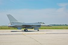 Free F-16 Jetfighter On Runway Stock Images - 1224184