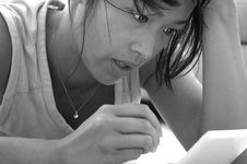 Free Female Concentrating Royalty Free Stock Images - 1225149