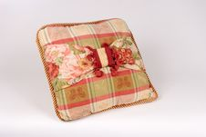 Free Plaid Pillow Royalty Free Stock Photography - 1227727