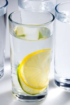 Free Lemon Lime Water Royalty Free Stock Images - 1237069