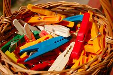 Free Cloth Pegs In A Basket Stock Images - 1238474