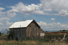 Free Old Wild West Barn Royalty Free Stock Photography - 1239757
