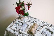 Free Flower, Flower Arranging, Flower Bouquet, Floristry Stock Photo - 123314540