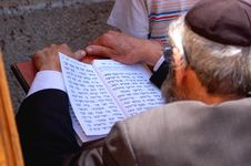 Free An Older Man Praying Open Book Royalty Free Stock Photos - 1241058