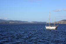 Free White Fishing Boat Stock Image - 1241141