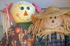 Free Mr And Mrs Scarecrow Royalty Free Stock Photos - 1243008