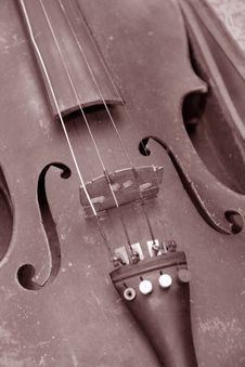 Free Old Dirty Violin Stock Image - 1247351