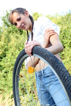Free Model With Bicycle Stock Photography - 1249512
