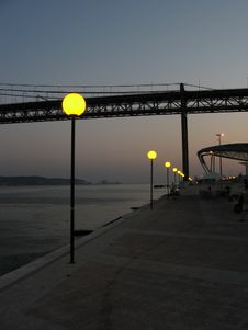 Free Lisboa Waterfront At Dusk Royalty Free Stock Image - 1249996