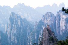 Free Mountainous Landforms, Mountain, Mountain Range, Mount Scenery Stock Images - 124419664