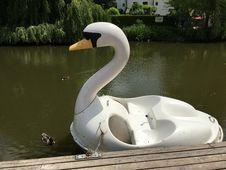 Free Swan Boat, Water, Water Bird, Swan Royalty Free Stock Images - 124419679