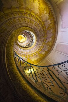 Free Yellow, Spiral, Circle, Ceiling Stock Images - 124771624