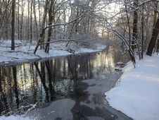 Free Snow, Water, Reflection, Winter Royalty Free Stock Photo - 124772425