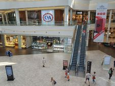 Free Shopping Mall, Retail, Building, Outlet Store Stock Photo - 124939780