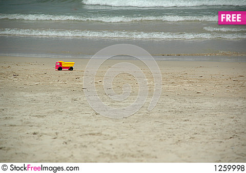 Free Beach And Toy Truck Royalty Free Stock Photos - 1259998