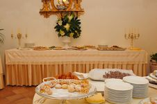 Free Meal, Brunch, Buffet, Function Hall Royalty Free Stock Photos - 125016308