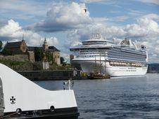 Free Passenger Ship, Cruise Ship, Waterway, Water Transportation Stock Photos - 125016433