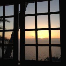 Free Sky, Window, Reflection, Sunlight Royalty Free Stock Photo - 125457525