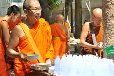 Free Monk, Temple, Ritual, Blessing Stock Images - 125595834