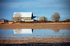 Free Barn Reflected On Flooded Farm Royalty Free Stock Photos - 12566598