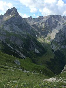 Free Mountainous Landforms, Mountain Range, Mountain, Highland Royalty Free Stock Photo - 125934755