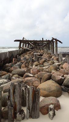 Free Wood, Rock, Water, Driftwood Royalty Free Stock Image - 125934826