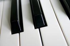 Free Piano Royalty Free Stock Photos - 1260638