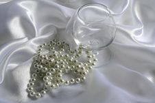 Free Pearls Royalty Free Stock Image - 1268326