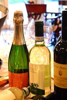 Free Drink, Wine, Alcoholic Beverage, Bottle Stock Photography - 126103932