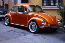 Free Photography Of Orange Volkswagen Beetle Royalty Free Stock Photography - 126176287
