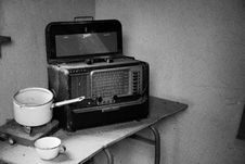 Free Grayscale Photo Of Vintage Radio Beside Stove With Cooking Pot Royalty Free Stock Images - 126176549