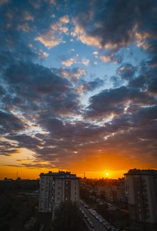 Free City Scape During Sunrise Stock Photo - 126176630