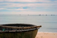 Free Brown Wooden Boat By The Shore Royalty Free Stock Photography - 126176637