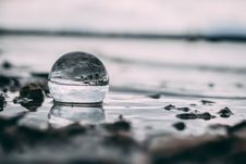 Free Shallow Photography Of Water Drop Near Stones Stock Images - 126176774